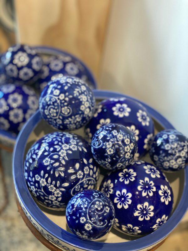 Dark blue porcelain balls 2 scaled 1