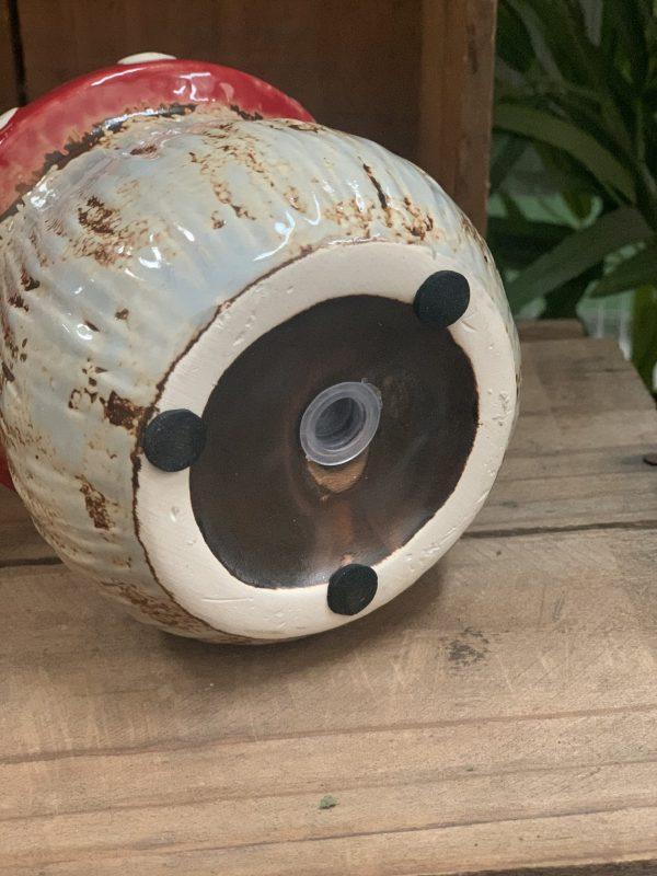Mushroom pot bottom view e1591699144311 scaled 1